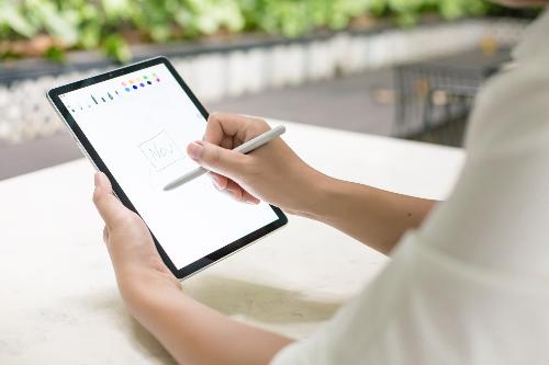 Tận dụng S Pen và ứng dụng Pen Up để những dòng ghi chú thêm sinh động, dễ nhớ.