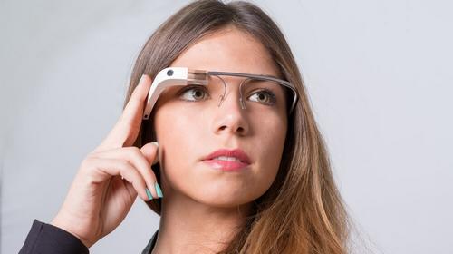 Google Glass được xem là thiết bị của tương lai.
