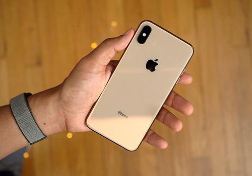 iPhone Xs và Xs Max gặp lỗi liên quan đến sạc.