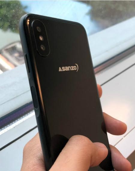 Bản thử nghiệm smartphone S3 Plus của tập đoàn điện tử Việt lộ diện gần đây với thiết kế khung kim loại, cảm biến vân tay ở cạnh bên và camera kép.