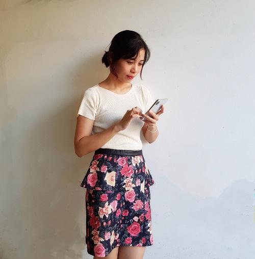 Chị Kim Đào trúng giải nhất Iphone X, chia sẻ niềm vui lên mạng xã hội.