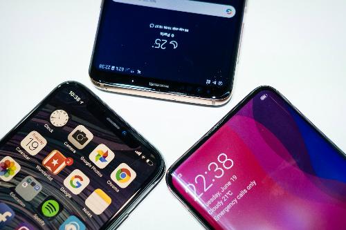 Nhiều smartphone cao cấp giảm giá trong tháng 9.