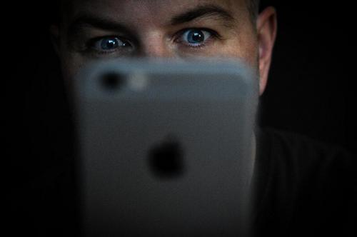 Cảnh sát Mỹ từng gặp khó với nhiều trường hợp tội phạm không khai báo mật khẩu iPhone.
