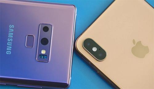 Note9 và iPhone Xs Max.