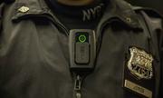 Camera gắn thân của cảnh sát Mỹ bốc cháy