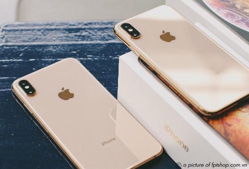 Để trở thành những khách hàng đầu tiên sở hữu iPhone XS, XS Max và iPhone XR chính hãng tại Việt Nam, bạn chỉ cần đặt cọc trước một triệu đồng tại FPT Shop và F.Studio.