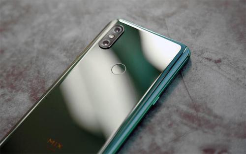 Mi Mix 3 của Xiaomi có camera kép, thiết kế trượt.
