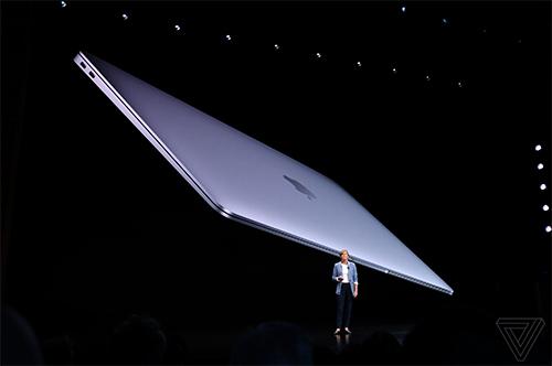MacBook Air mới với khung nhôm nguyên khối có thể tái chế 100%.