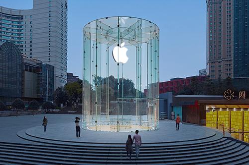 Bên ngoài một Apple Store tại Trung Quốc. Ảnh: AppAdvice.