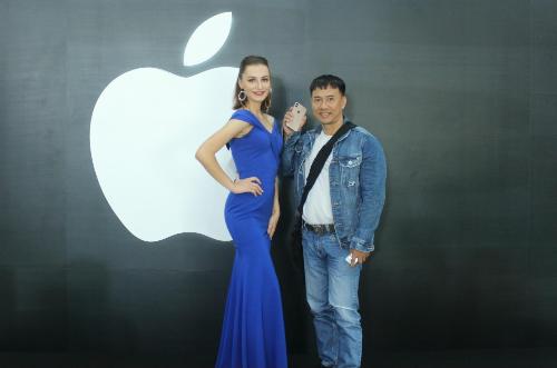 Hàng nghìn khách hàng trải nghiệm iPhone 2018 chính hãng tại Thế Giới Di Động - 2