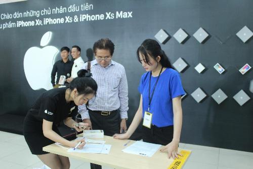 Hàng nghìn khách hàng trải nghiệm iPhone 2018 chính hãng tại Thế Giới Di Động - 7