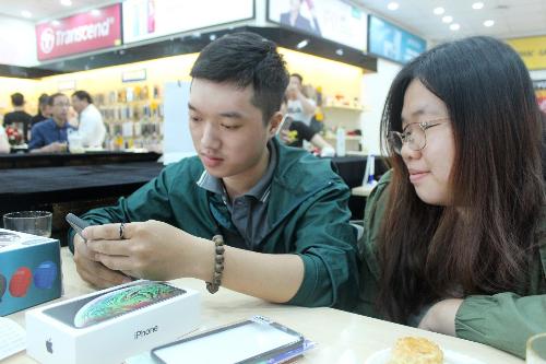 Hàng nghìn khách hàng trải nghiệm iPhone 2018 chính hãng tại Thế Giới Di Động - 5
