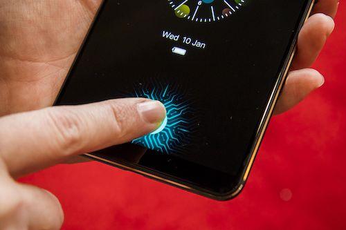 Công nghệ cảm biến vân tay dưới màn hình có thể được Samsung đưa lên Galaxy S10. Ảnh minh họa.