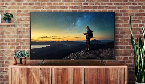Các sản phẩm TV QLED của Samsung có tương phản cao, màu sắc đẹp, thông minh trong thao tác.