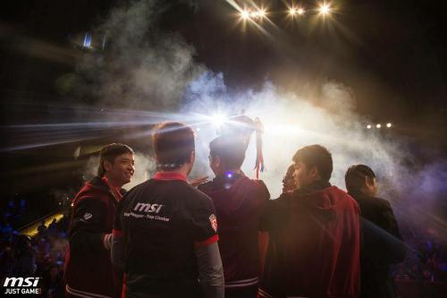 MSI tài trợ đội tuyển Sài Gòn Fantastic V (SF5) vô địch Liên Minh Huyền Thoại Đông Nam Á.