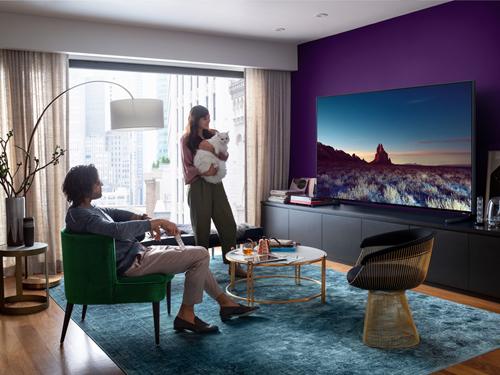 Dòng TV QLED giúp căn phòng thêm sang trọng và mang hơi thở của cuộc sống hiện đại.