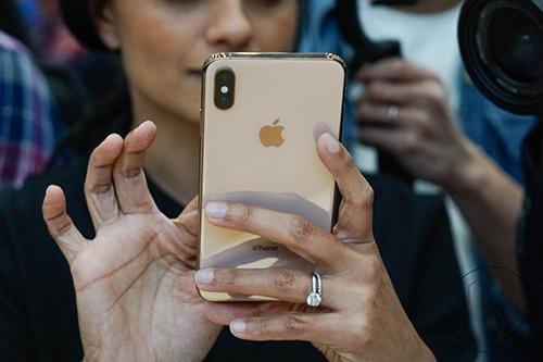 Tần suất kiểm tra smartphone của người Mỹ ngày càng tăng.