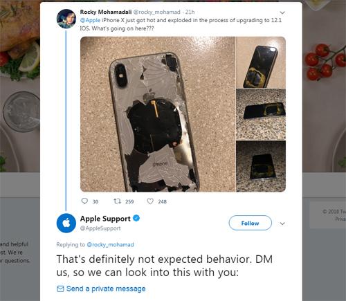Apple đề nghị Mohamad trao đổi về chiếc iPhone gặp sự cố qua tin nhắn riêng.