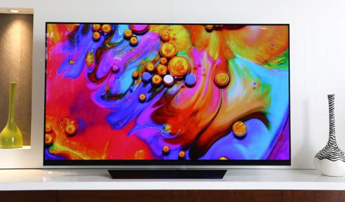 TV LG OLED E8 là thế hệ TV đầu tiên (cần xác nhận) được tích hợp nền tảng trí tuệ nhân tạo AI ThinQ.