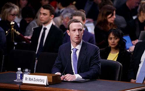Zuckerberg điều trần trước Quốc hội Mỹ hồi tháng 4/2018.