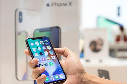 Apple tiếp tục sản xuất iPhone X khi ba mẫu iPhone mới bán chậm.