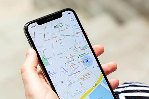 Số điện thoại liên lạc của địa điểm trên Google Maps dễ dàng được thay đổi. Ảnh minh họa: Verge.