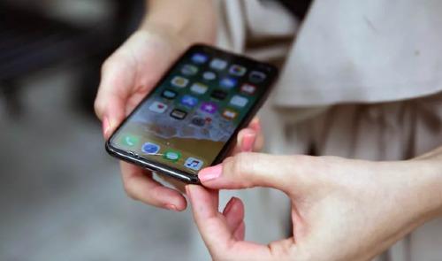 Màn hình công nghệ OLED và dùng cảm biến Face ID khiến chi phí sửa chữa của iPhone đắt hơn nhiều so với iPhone 8 hay iPhone 7.