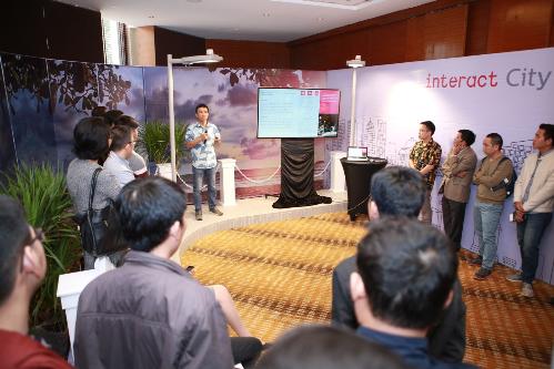 Interact City với các công cụ quản lý phần mềm đơn giản giúp cải thiện chiếu sáng công cộng, giảm điện năng tiêu thụ.