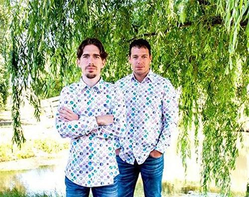 Hai anh em nhà Bakker, sở hữu kênh Jelles Marble Runs.