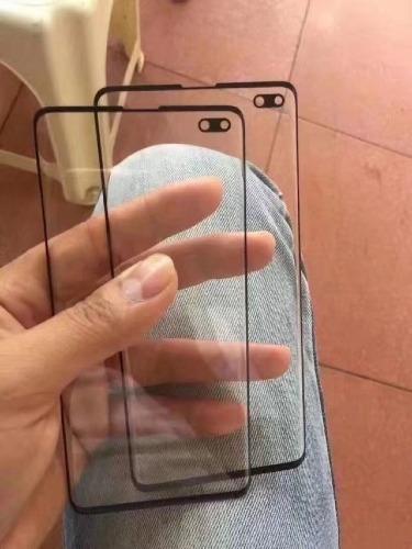 Tấm dán màn hình phía trước của Galaxy S10+ và S10.