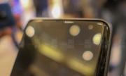 Nguyên mẫu smartphone 'tai thỏ' lệch của Samsung xuất hiện