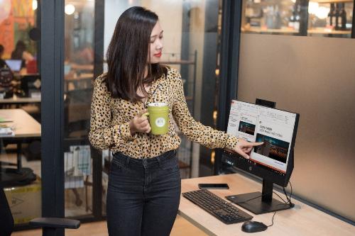 HP ProOne 600 G4 AIO cung cấp khả năng nâng cấp Inel Optane. Thiết bị hỗ trợ màn hình cảm ứng 21.5 FHD với hai tùy chọn cấu hình Core i3. Mức giá tham khảo là 18,49 triệu đồng và 20,49 triệu đồng cho cấu hình Core i5.