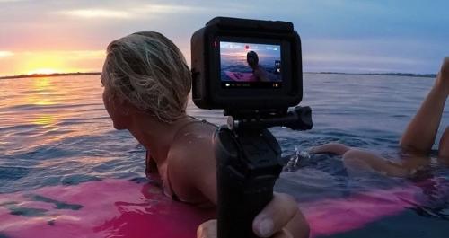 Gậy ba khúc gắn cho GoPro được thiết kế linh hoạt, chống thấm nước. Người dùng có thể dùng khi lướt sóng, lặn, hoặc bất cứ môn thể thao dưới nước nào.