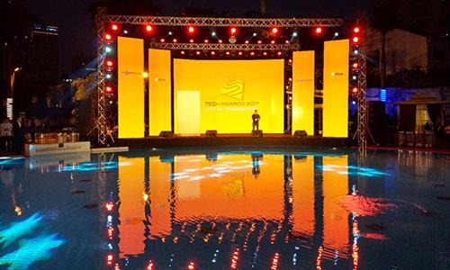 Sân khấu lễ trao giải Tech Awards 2017. Ảnh: Đức Đồng.