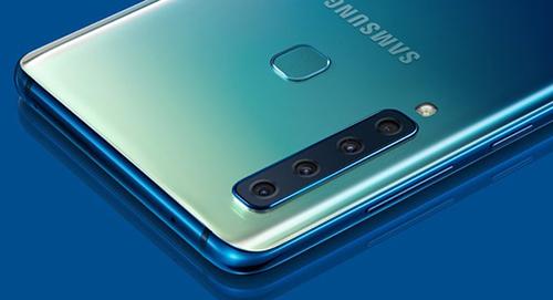 Galaxy A9 (2018) có cụm camera bốn ống kính. Ảnh: Samsung.