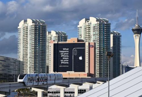 Quảng cáo đá đểu Google và Amazon vẫn hiện diện tại nơi diễn ra CES 2019.