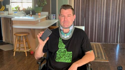 Felix được cứu mạng nhờ trợ lý ảo Siri trên iPhone. Ảnh KSNV