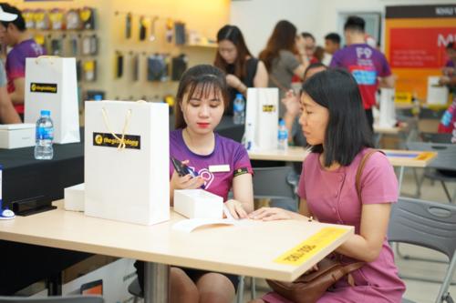 13.000 đơn hàng đặt trước trong 1,5 ngày, 48.000 sản phẩm bán ra sau 10 ngày lên kệ, top 1 xu hướng tìm kiếm trên Google Việt Nam... là những thành tích của F9 tại thị trường trong năm 2018