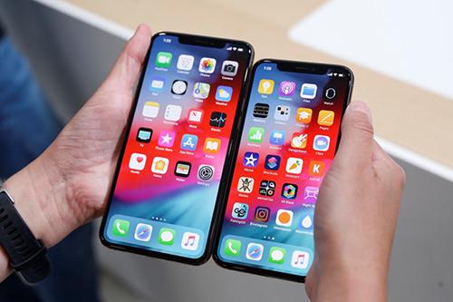 Đối tác Apple giảm dự báo doanh thu do iPhone bán chậm. Ảnh: Legaltime.