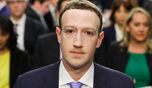 Mark Zuckerberg có một năm đáng quên với Facebook. Ảnh: SCMP.