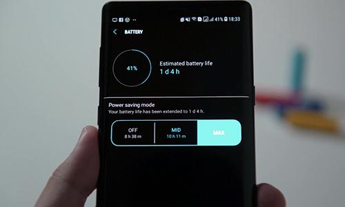 Chế độ tiết kiệm pin trên một số smartphone có thể giúp tăng thời gian sử dụng lên nhiều giờ. Ảnh: Soyacincau