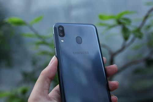 Galaxy M20 - tân binh của Samsung ở phân khúc điện thoại trung cấp.