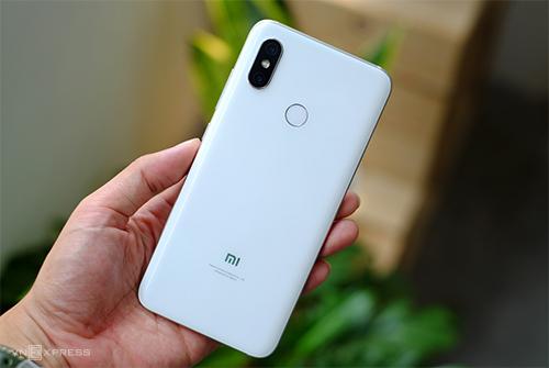 Xiaomi Mi 8.