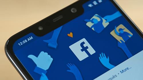 Dù có tài khoản Facebook hay không, người dùng vẫn bị mạng xã hội này theo dõi theo nhiều cách. Ảnh Fossbytes