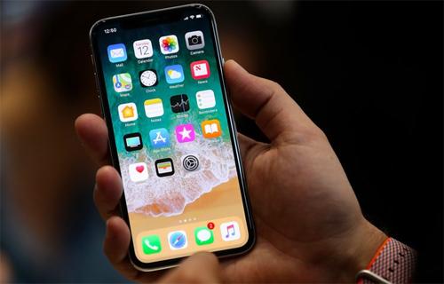 Apple đang chậm trễ trong cuộc đua 5G. Ảnh: BI