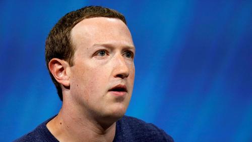 Zuckerberg chưa lên tiếng về sự cố sập mạng. Ảnh:Quartz.