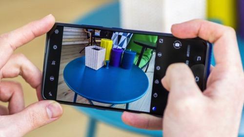 Smartphone với camera độ phân giải siêu cao lên tới trăm megapixel sẽ sớm xuất hiện. Ảnh: GSMArena