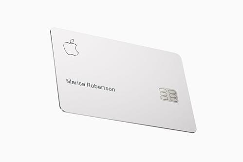 Chỉ có tên chủ tài khoản được in trên Apple Card. Ảnh The Verge