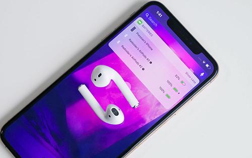 iPhone 2019 có thể đi kèm adapter sạc nhanh trong hộp, hỗ trợ sạc không dây ngược. Ảnh: PA