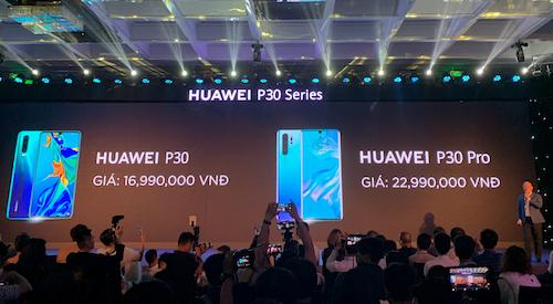 Mức giácác model cao cấp của Huawei bán ra tại Việt Nam luôn tốt hơn nhiều so với Châu Âu.
